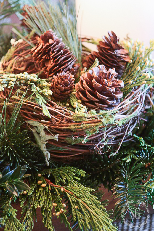8 TIPS FOR KEEPING CHRISTMAS GREENS FRESH LONGER