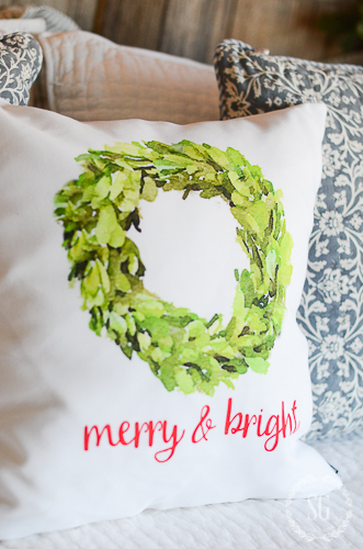 BHOME CHRISTMAS TOUR-MERRY AND BRIGHT GUEST ROOMS