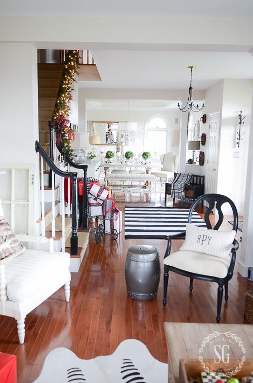 CHRISTMAS FOYER 2015- Merry, bright and sassy!