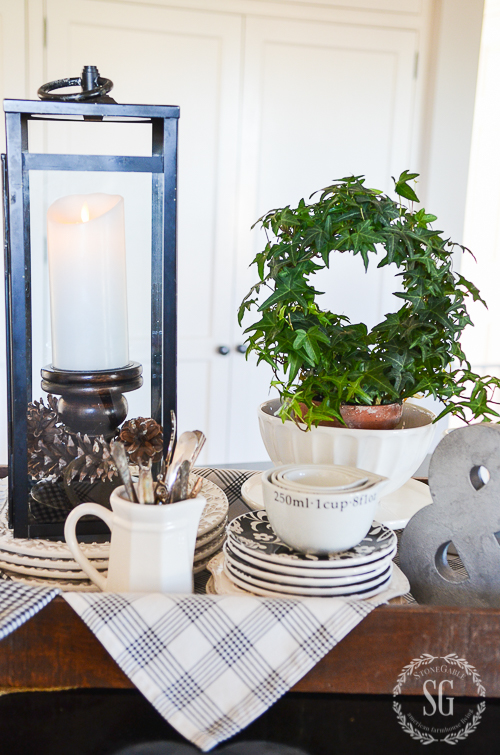 6 TIPS FOR CREATING A VIGNETTE FOR A KITCHEN ISLAND