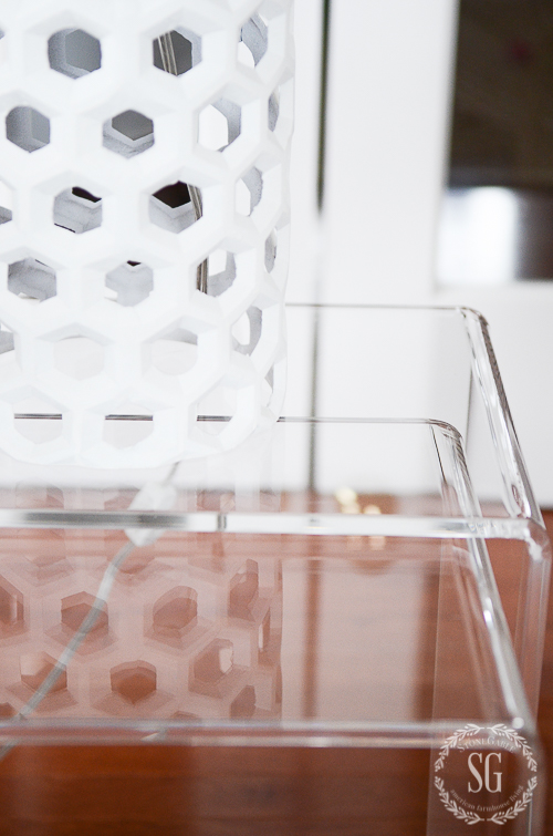 LUCITE LOVE-Decorating with beautiful trendy lucite!