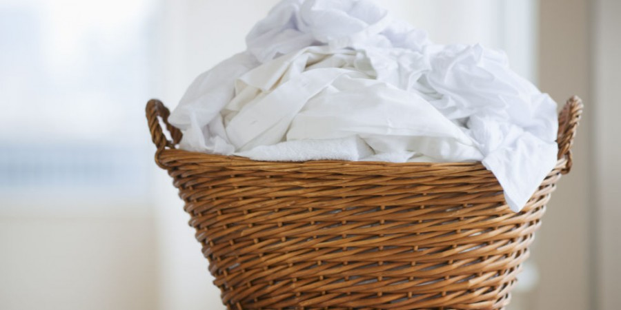 landscape-1444082748-wicker-laundry-basket
