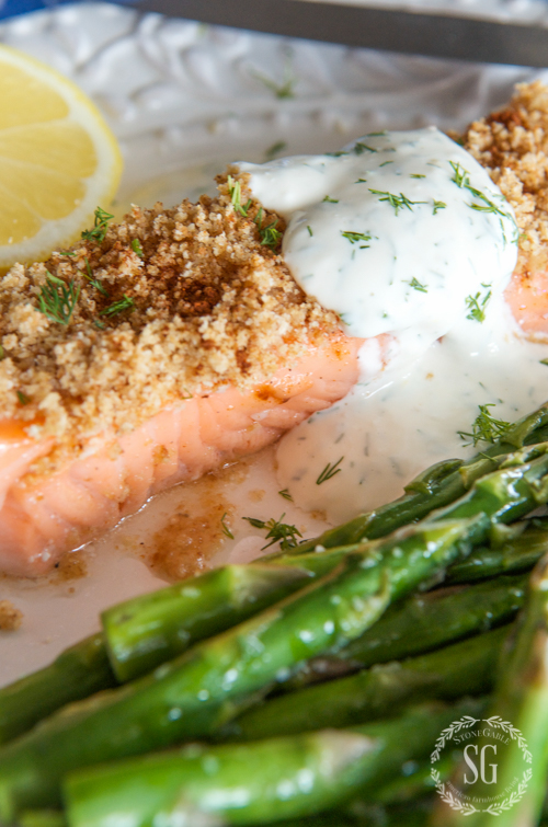 SCRUMPTIOUS MAYONNAISE CRUSTED BAKED SALMON- A delicious meal in 23 minutes!