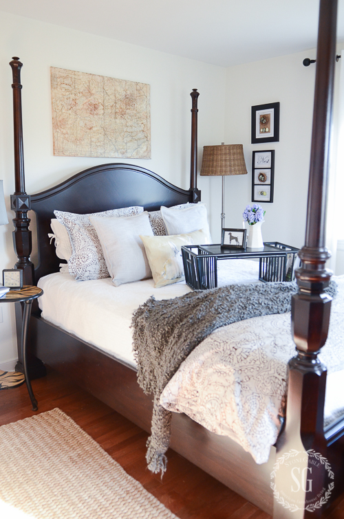 COMPANY'S COMING-HOW TO GET A GUEST ROOM READY