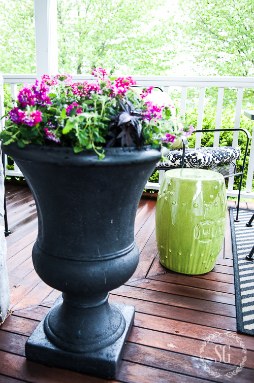 CREATING A SIMPLE OUTDOOR SPACE- How to make a simple and inexpensive outdoor space that is pretty and all your own!