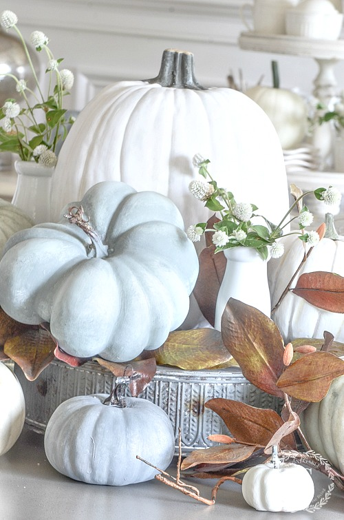 SOFTER SIDE OF FALL HOME TOUR- Fall is the perfect time to decorate your home in the softer colors of fall. Lots of home decor ideas