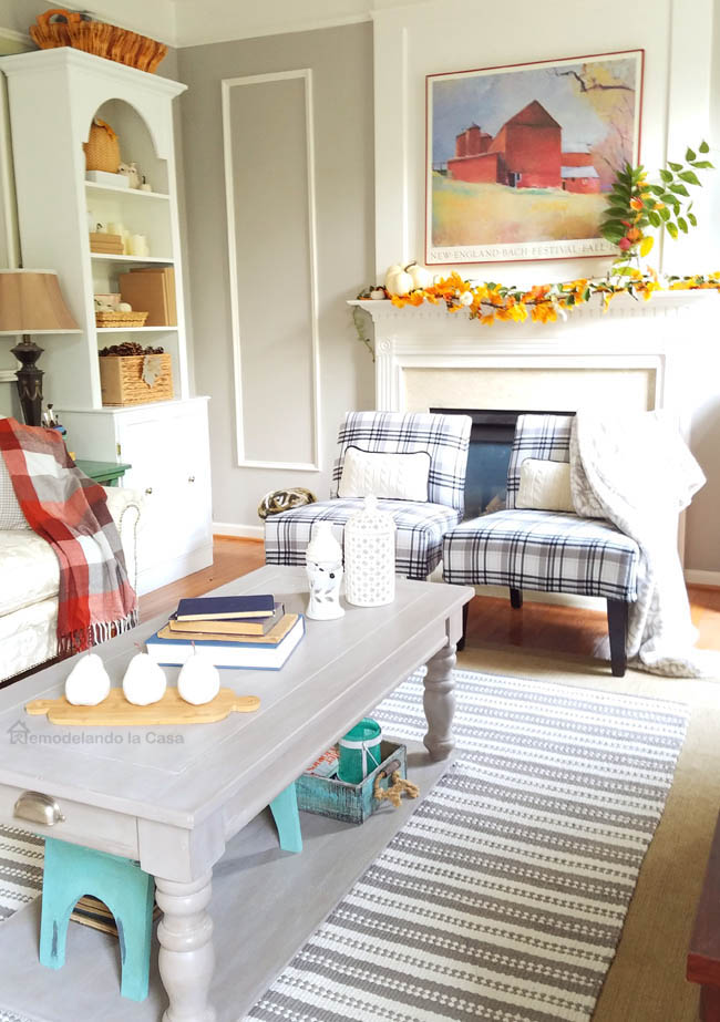 family-room-dressed-for-fall-gray-and-burned-red