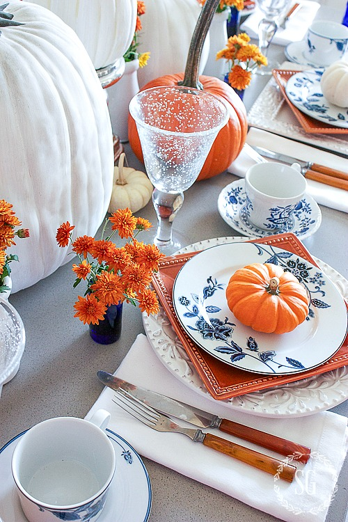 BLUE AND WHITE AND FALL TABLESCAPE- A fall tablescape celebrating the abundance of pumpkins!