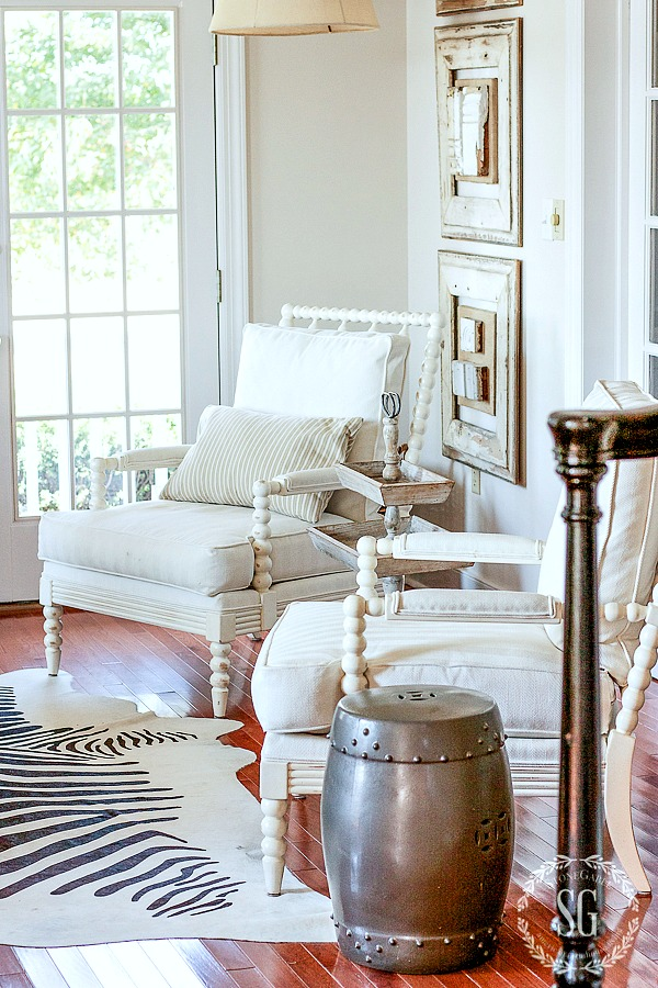 SIMPLIFIED FALL DECOR- striping down the living room to it's simple beauty!