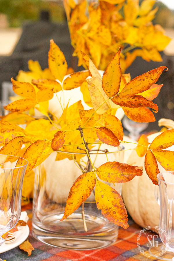 easy thanksgiving tip use fall leaves down the center of the table