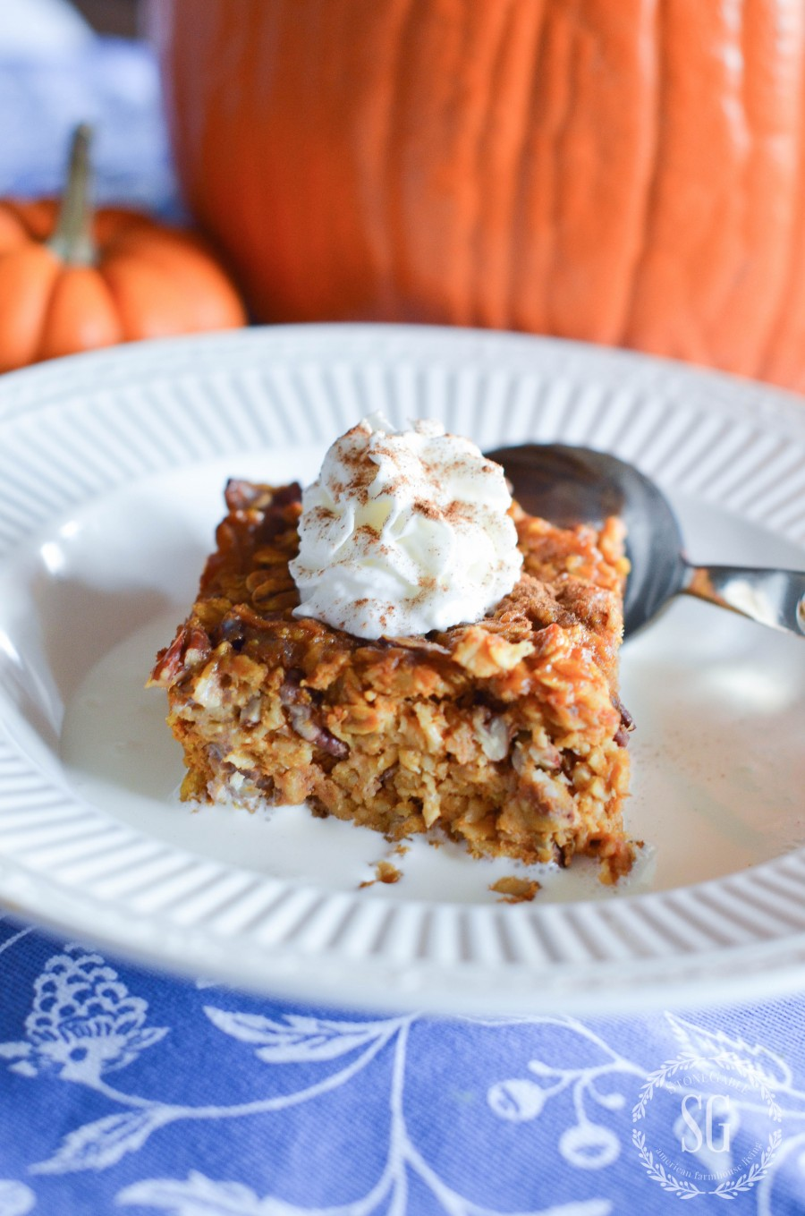 http://www.stonegableblog.com/pumpkin-spice-baked-oatmeal/