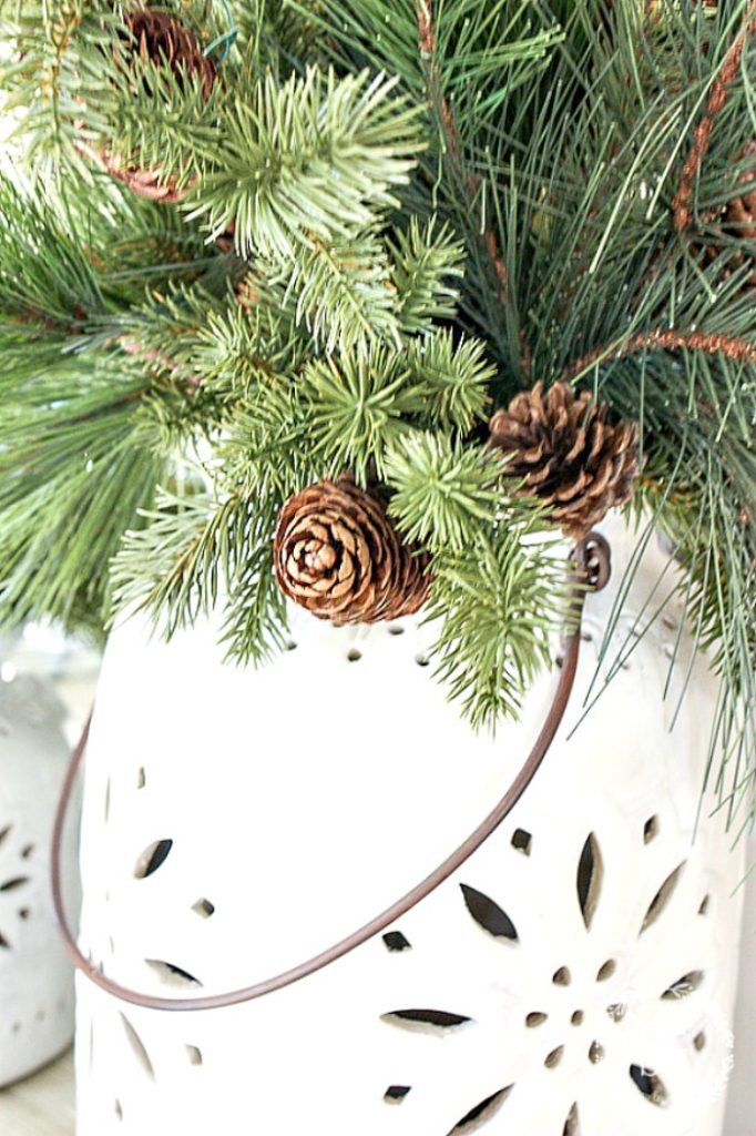 Christmas Greenery.Great Tips For Choosing And Decorating With Faux Christmas