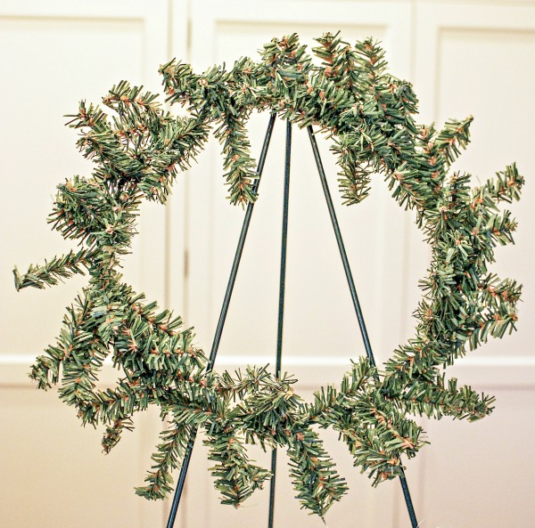 HOW TO MAKE THE ABSOLUTELY EASIEST LIVE WREATH EVER! YOU can do this!