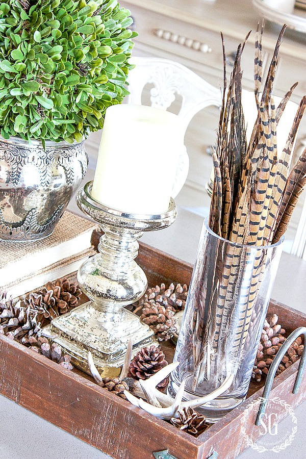 TRANSITIONAL DINING ROOM DECOR- An easy way to decorate from late fall through Thanksgiving