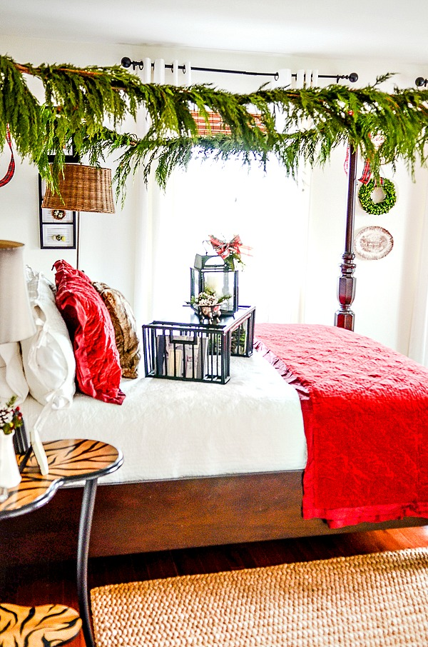 CHRISTMAS IN THE GUEST ROOM- Adding festive touches to a guest room