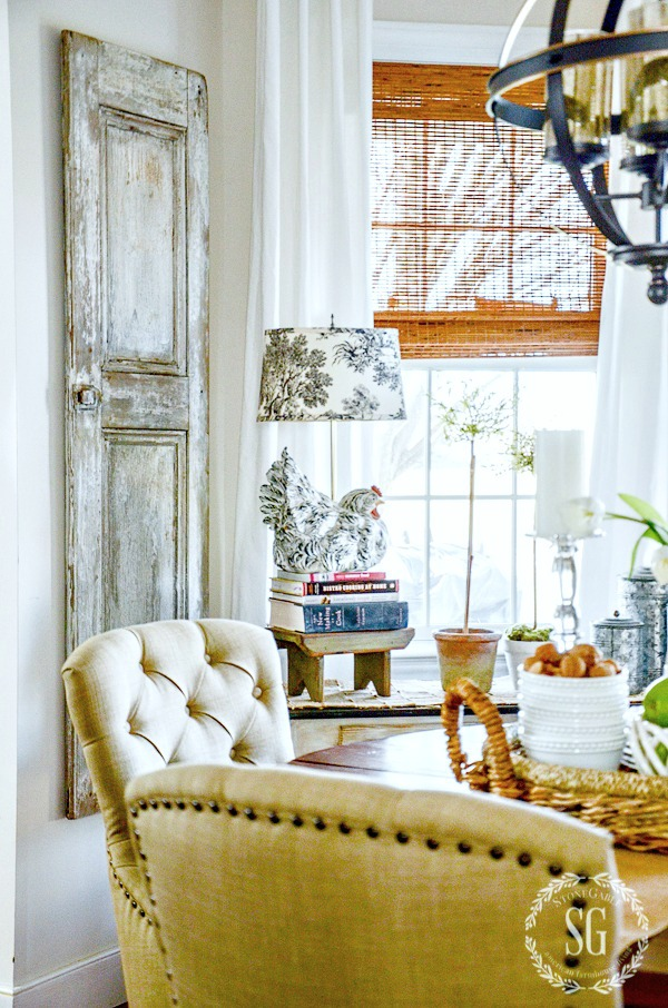 1BREAKFAST NOOK REFRESH-hen lamp-stonegableblog-2