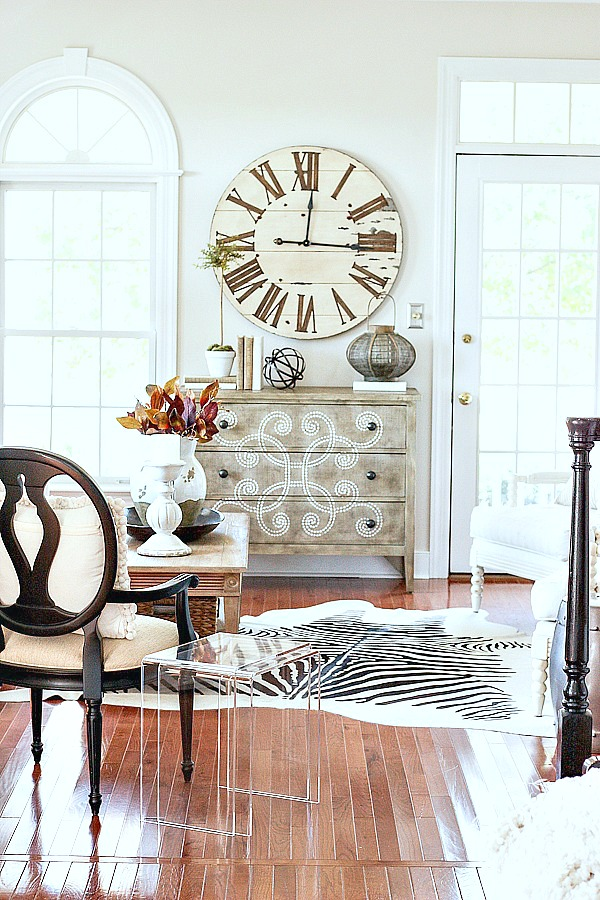 1LIVING ROOM DECOR-clock-over-chest-stonegableblog-2