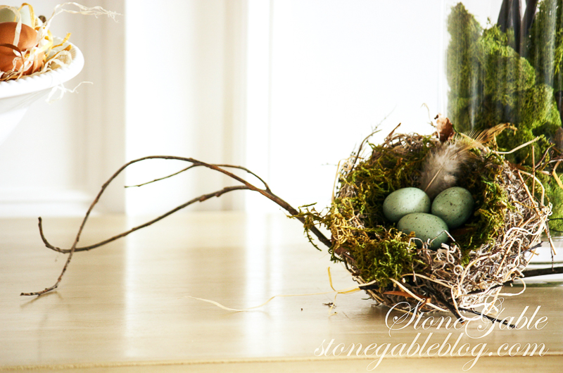 HOW TO ADD SEASONAL DECOR TO YOUR HOME- Easy ways to brighten up your home for every season!