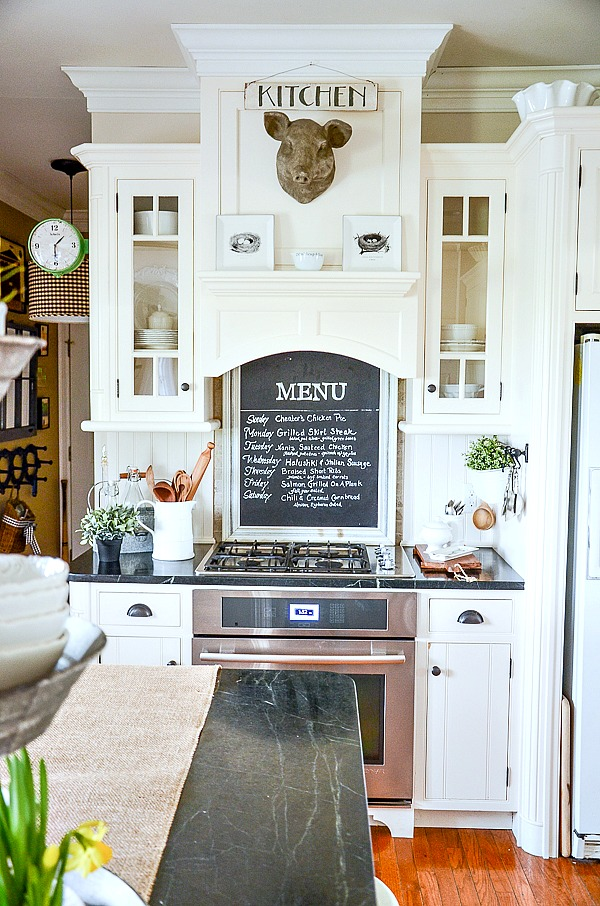 SPRING KITCHEN- How do you decorate your kitchen in the spring! Adding bits of what's right outside my door!