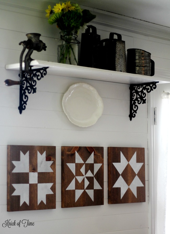 how-to-make-farmhouse-kitchen-barn-quilt-block-signs-Knick-of-Time-