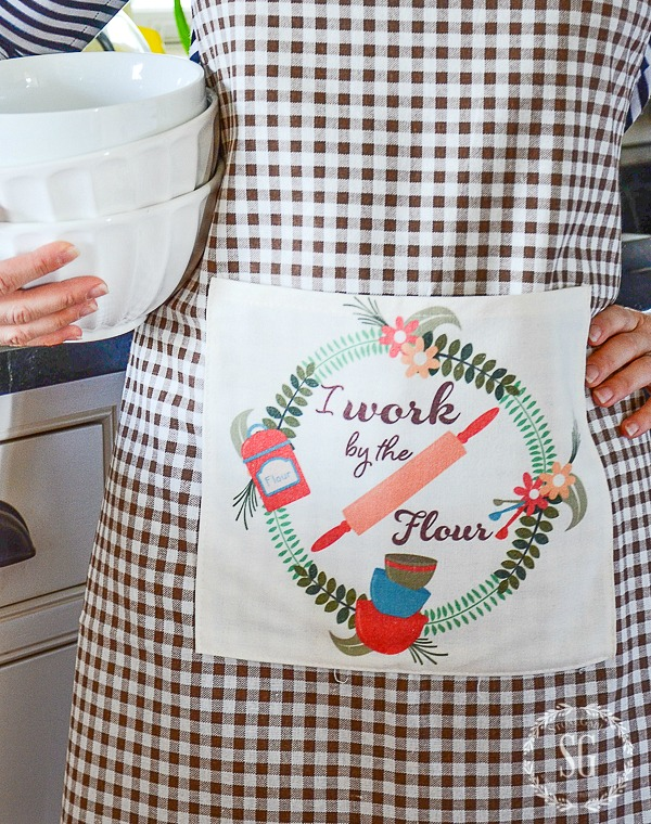 8 REASONS TO WEAR AN APRON- why aprons are a part of my home uniform!