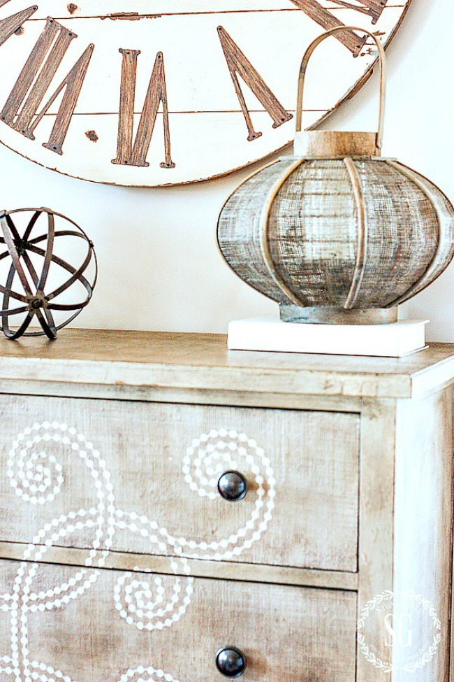 USING WALL CLOCKS IN DECOR-And the best wall clocks from around the web