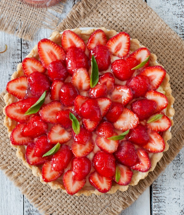 SCRUMPTIOUS AND FRESH STRAWBERRY TART- A beautiful spring tart!