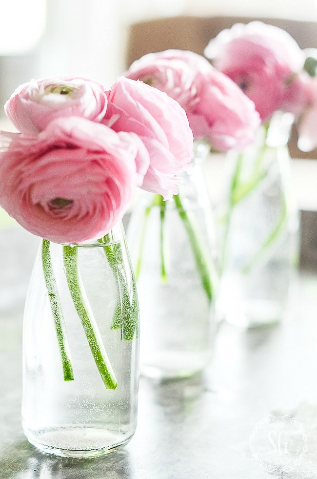 EASY AND BEAUTIFUL FLOWER ARRANGING- A flower arrangement does not have to be hard or complicated. It can be as easy as one, two three!