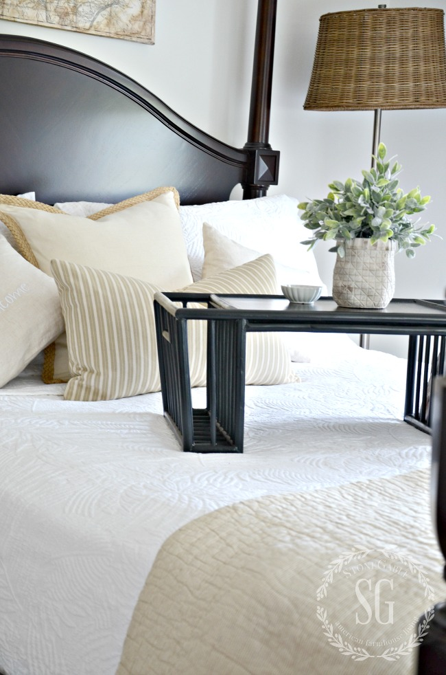 TIPS TO REFRESH A ROOM-Follow these 5 tips to help you refresh a room.