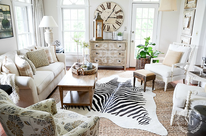 HOW TO LAYER RUGS LIKE A PRO - StoneGable