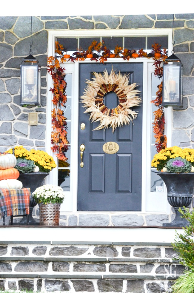OUTDOOR IDEAS FOR FALL DECORATING - StoneGable on Fall Backyard Decorating Ideas id=74707