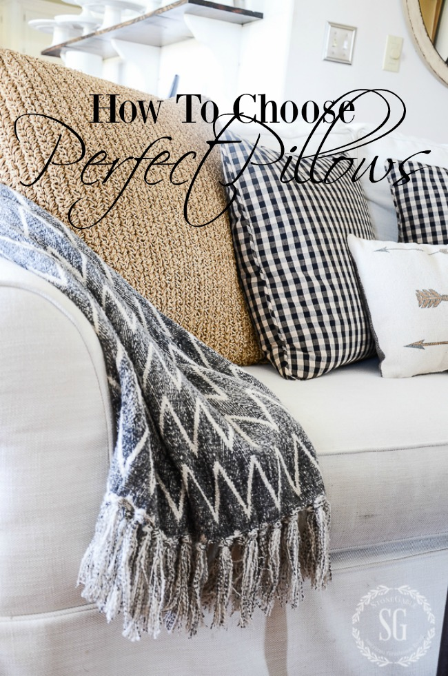 HOW TO CHOOSE THE PERFECT PILLOWS- Picking out the perfect pillows for your home can be daunting. Here's an easy guide to help. A must read!