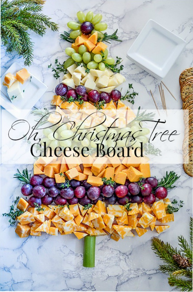 O CHRISTMAS TREE CHEESE AND FRUIT BOARD