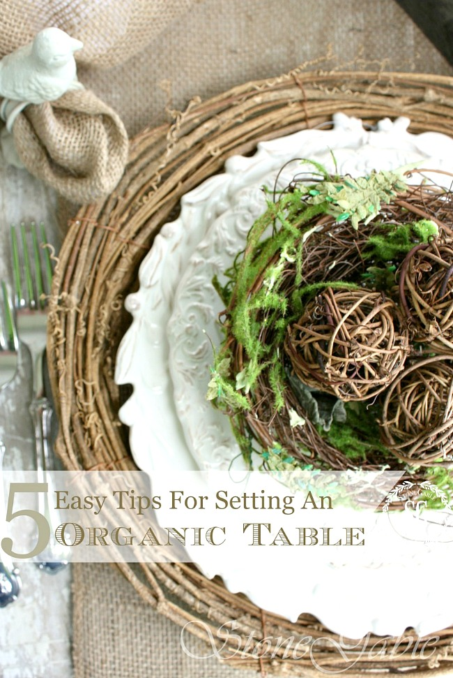 5 EASY TIPS FOR SETTING AN ORGANIC TABLE- Bring the outdoors inside and set a super easy and beautiful table. I'll show you how I did it!