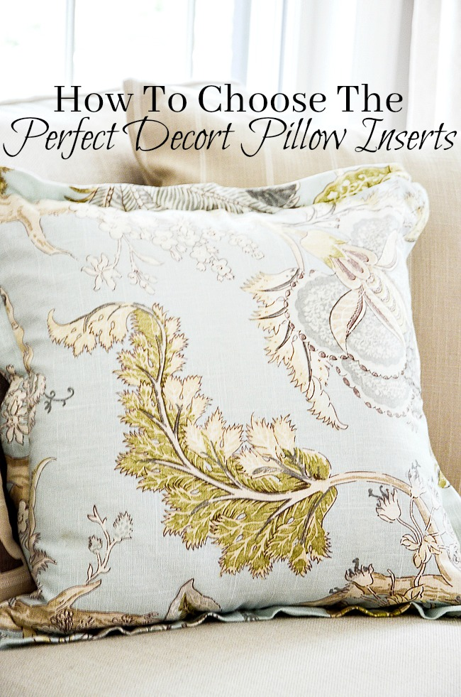 HOW TO CHOOSE THE PERFECT DECOR PILLOW INSERTS- There are a couple of secrets for having plump and pretty pillows! Inserts are a key factor!
