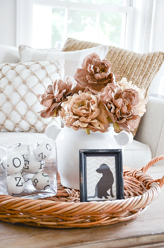 5 REASONS YOU THINK YOU CAN'T DECORATE- let's address some reason we think we can't decorate and debunk them! YES you can decorate!