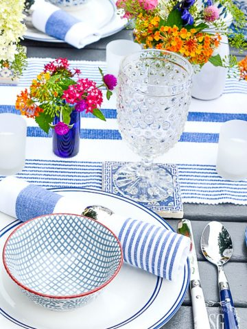 OUTDOOR SUMMER DINING