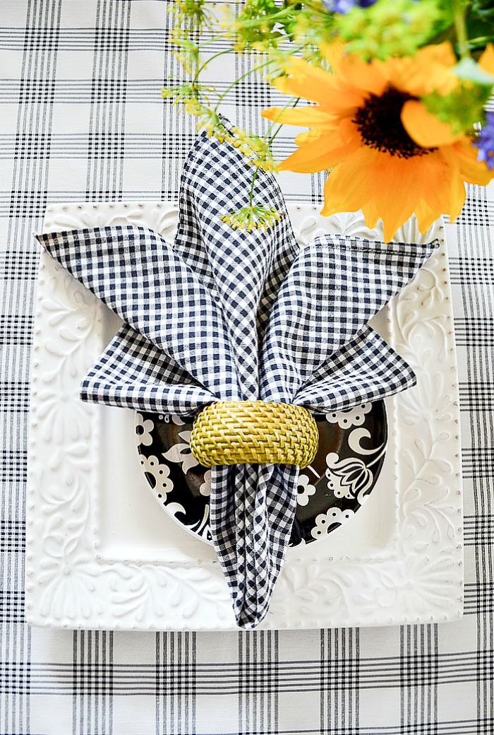 Favorite Summer Napkin Folds Stonegable