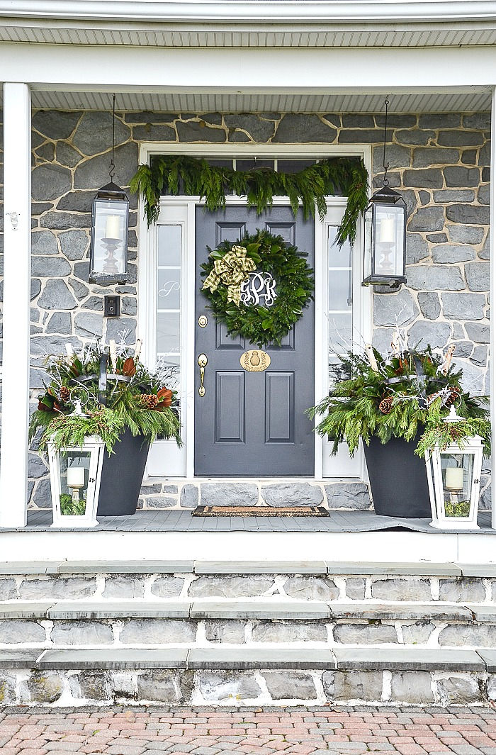 How To Decorate An Outdoor Christmas Planter Stonegable