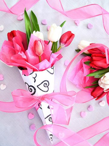 PRETTY FLOWER CONE VALENTINE DIY