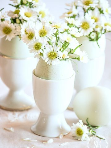 EASY EASTER EGG ARRANGEMENT