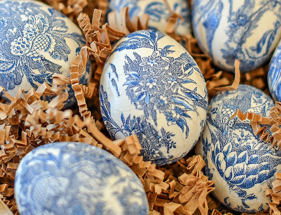 pretty blue and white design on Easter egg