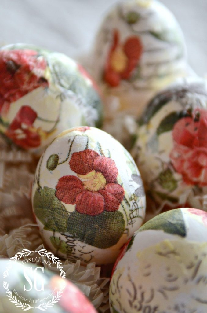 decoupage easter egg