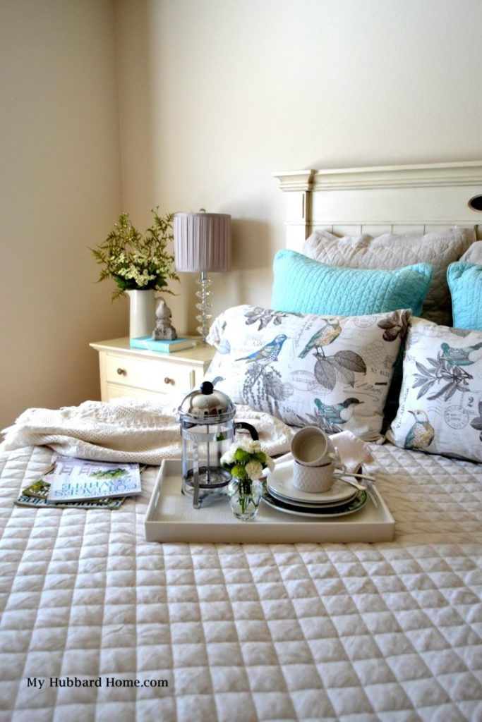 homestyle gathering 14 bed with pillow and breakfast tray