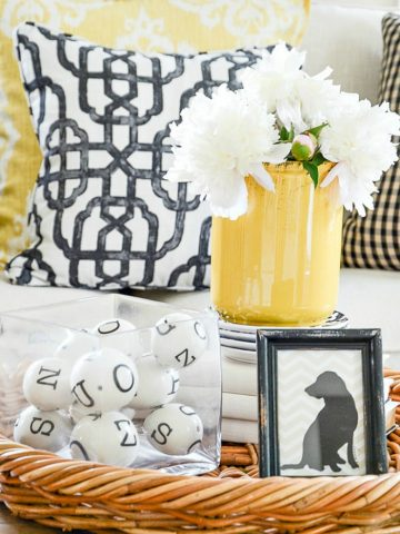 a vignette should be full of home decor accessories