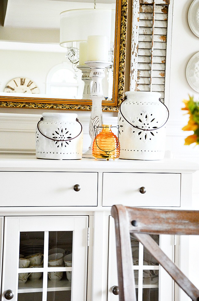 best decorating tip-vignette in the dining room