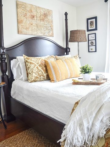 THE JACQUELINE AND JONATHAN GUEST BEDROOM