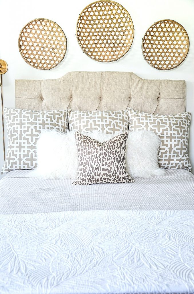easy 5 pillow arrangement on a bed