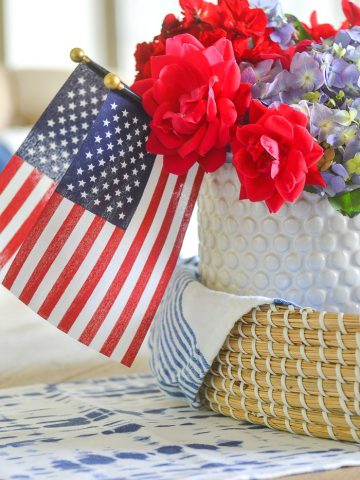 SIMPLE PATRIOTIC CENTERPIECE