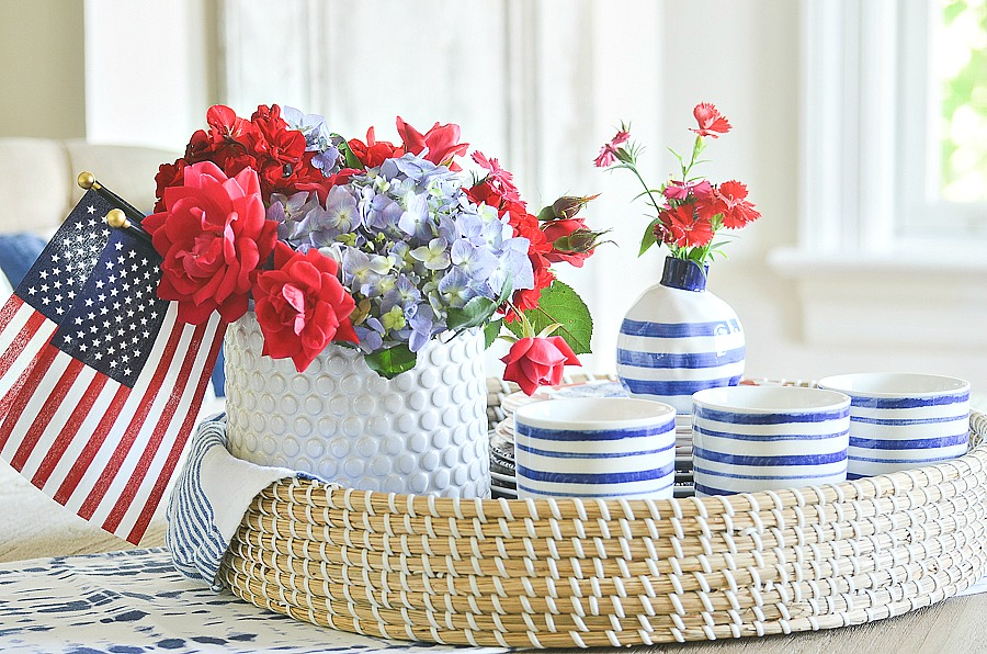 pretty patriotic vignette with a patriotic themed centerpiece